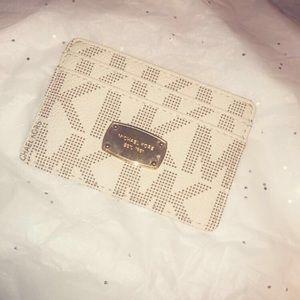 Michael Kors vanilla jetset card case